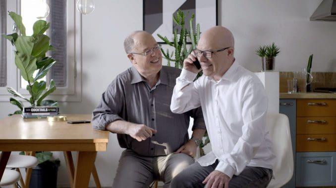 בקמפיין של משרד הפרסום לעומק התודעה גם צמד שדרני הספורט אבי מלר ונדב יעקבי