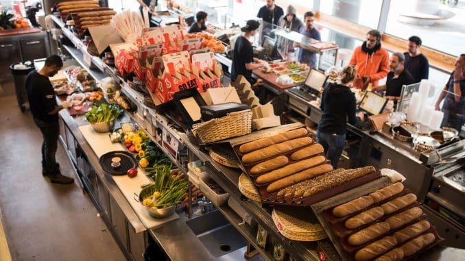 מתכוני מגשי אירוח מבוססים על מתכוני כריכים שתמיד כיף וטעים לאכול