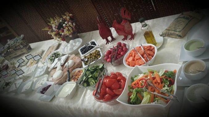 במהלך שמונה ימי החג יתקיימו סדנאות אפייתסופגניות משולבת עם ארוחת ערב