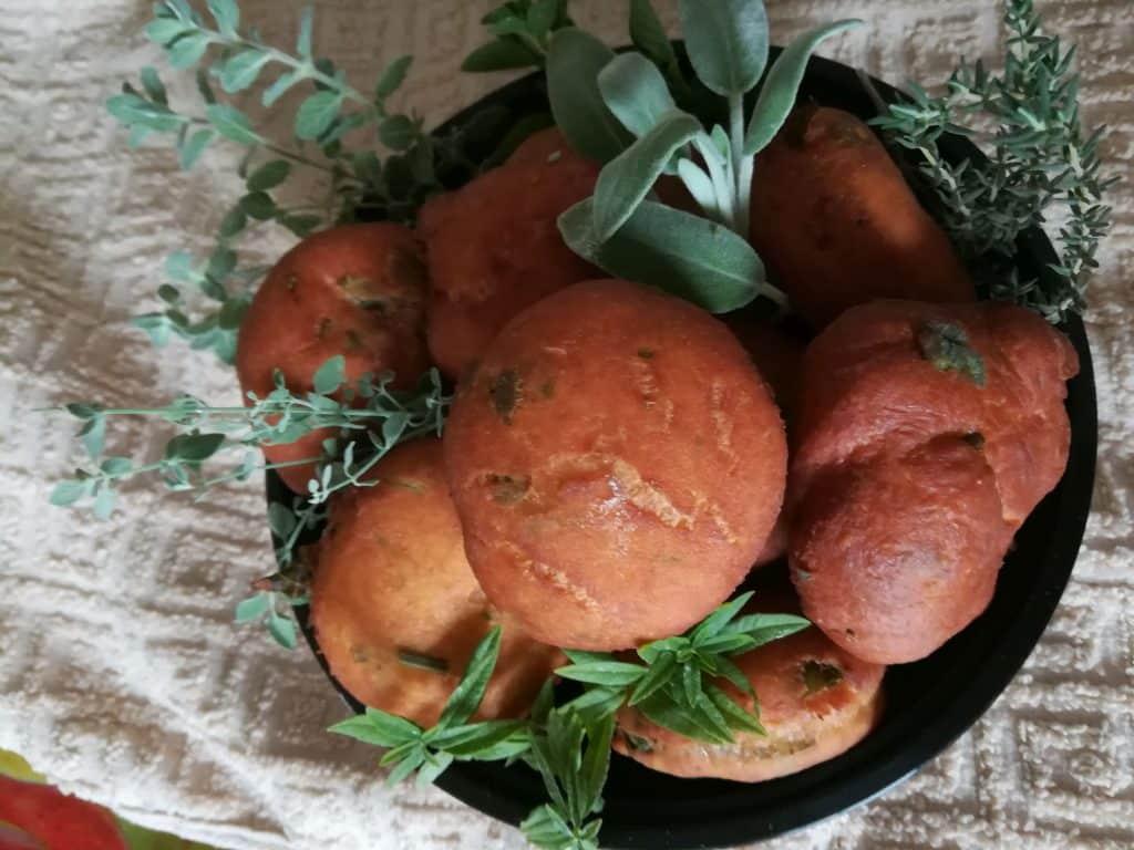 סופגניות מצמחי תבלין מבוך מרים - בשביל התבלינים והבשמים