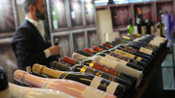 חובבי היין יוכלו לרכוש יינות באופן ישיר מהיקבים והיבואנים. צילום דוד סילברמן dpsimages