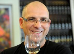 המטרה הייתה ליצור יין לבן בעל יכולת התבגרות והשתבחות בבקבוק. מעריך שהיין הזה יתבגר נפלא בבקבוק