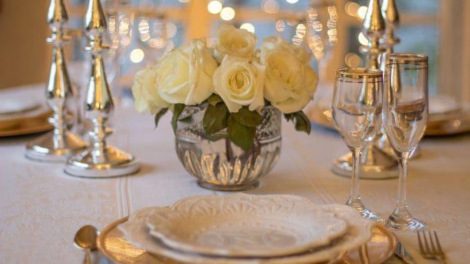 למי שטרחו והכינו ולמי שקנו אוכל מוכן או אוכלים במסעדה בליל הסדר, מערכת אכול ושאטו מאחלת חג שמח. צילום pixabay