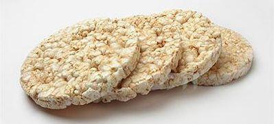 שלבו פריכיות אורז בארוחות