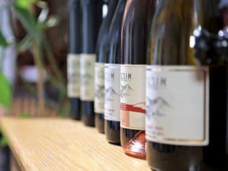 המשתתפים ייהנו מיינות יקב אורטל, ביניהם רוזה 2017, געש 2014, וקברנה פרנק 2014. תהיה גם מכירה של יינות היקב במחירים מיוחדים. צילום עדי פרץ