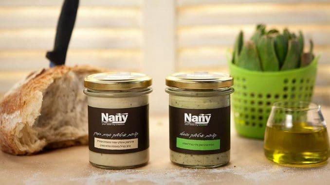 החברה מתמחה בפיתוח וייצור מוצרי מזון טבעיים וטבעוניים, ביניהם מיונז טבעוני ללא ביצים, ממרחים ורטבים