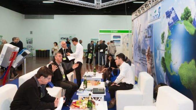 מבקרים רבים מהעולם ומישראל מנצלים את היומיים של אירועי קלינטק למפגשים עסקיים ונטוורקינג