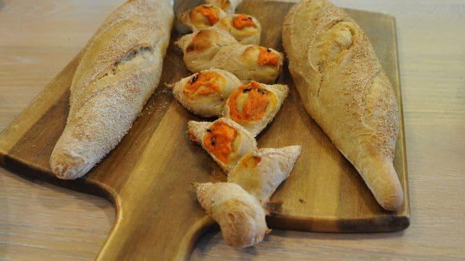 לחם עם בטטה. צילום איריס לוי