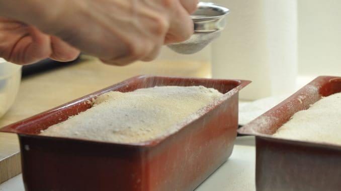 לחם כוסמין רגע לפני כניסתו לאפייה. צילום איריס לוי