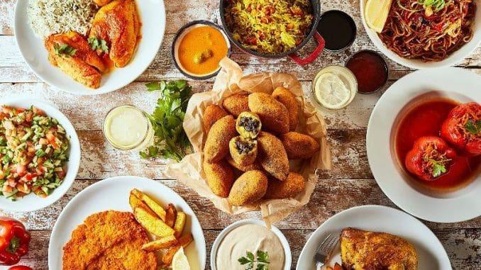 מדי יום מתחלפות המנות והתפריט מציע ארוחה עסקית מלאה הכוללת מנה עיקרית עם שתי תוספות, סלט ירקות וחמוצים תמורת 40-45 ₪. צילום אפיק גבאי