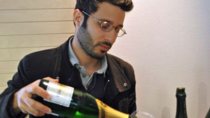 רגע לפני שעמית טולדו נסע לבציר ביקב גאיה בסנטוריני הוא שיחרר שני יינות מרתקים. צילום Marco Mastrandrea