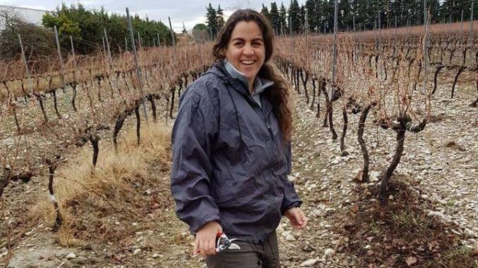 נועה מעוז - נציגת מועצת גפן יין בנושא חומר ריבוי. קראו למה זה חשוב כל כך. צילום רוברטה מירוסלאס