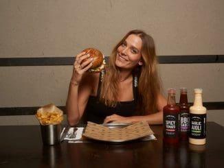 דנה פרידר נשלחה לניו יורק, העיר הקולינרית המזוהה יותר מכל עם המאכל האמריקאי המובהק - המבורגר. צילום שי פרנקו