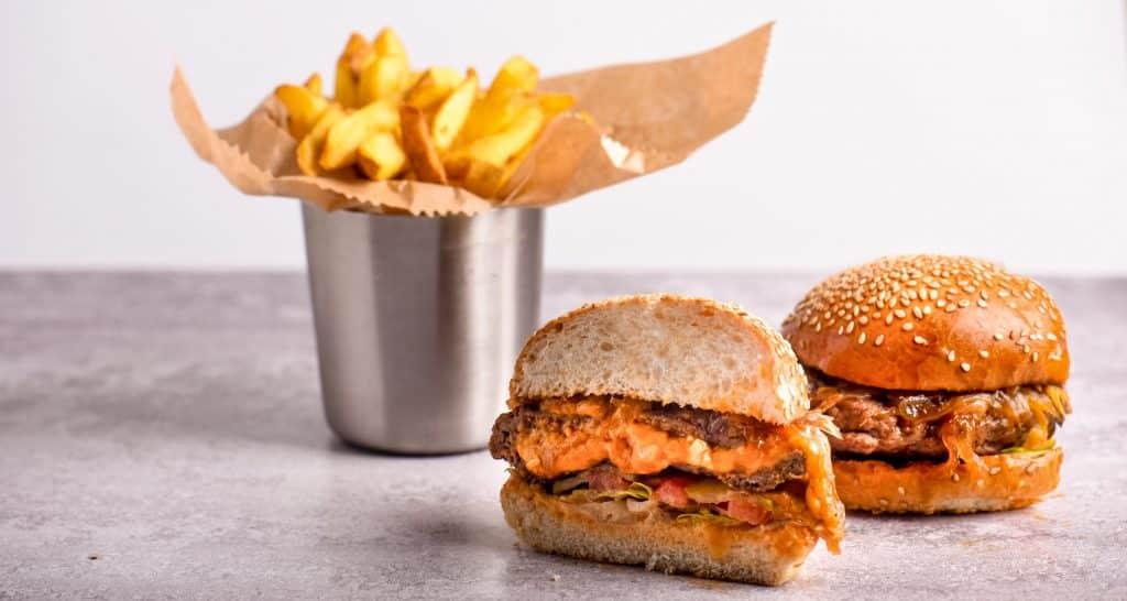 המבורגר ג'וסי לוסי – אותר בניו יורק והובא לישראל. צילום גליה אבירם