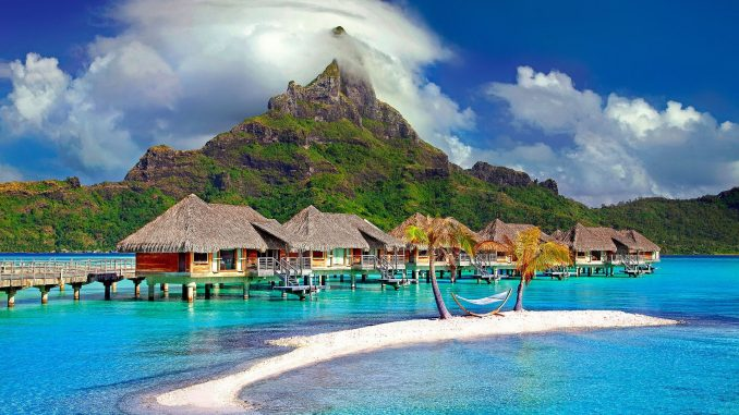 """העולם מלא איים. מחקר בדק ומצא 86,732 איים ששטחם בין 0.1 קמ""""ר למיליון קמ""""ר. בורה בורה לא מופיע במבחר זה של בוקינג, אז לפעם הבאה"""
