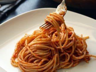 פסטה היא אחד המאכלים האהובים ברחבי העולם והספגטי בראש. צילום pixabay