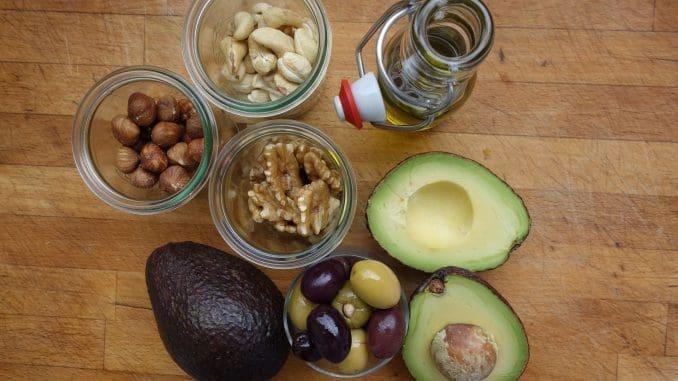 """כאשר מדברים על """"שומן בריא"""" במזון, הכוונה היא שסוג המזון מכיל כמות גבוהה של חומצות שומן חיוניות"""