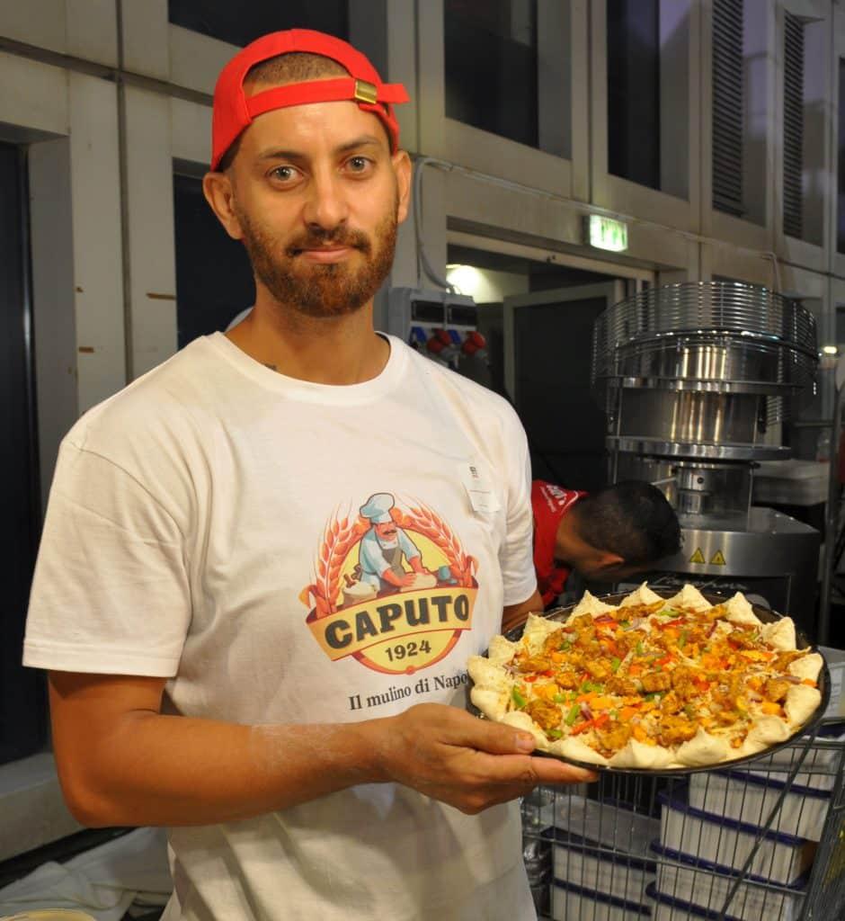 במקום הראשון זכה אדהם מקאזחה מנצרת המתגורר באיטליה ב-12 שנים האחרונות בפירנצה ועובד ב-Pizzeria Sud. צילום איריס לוי
