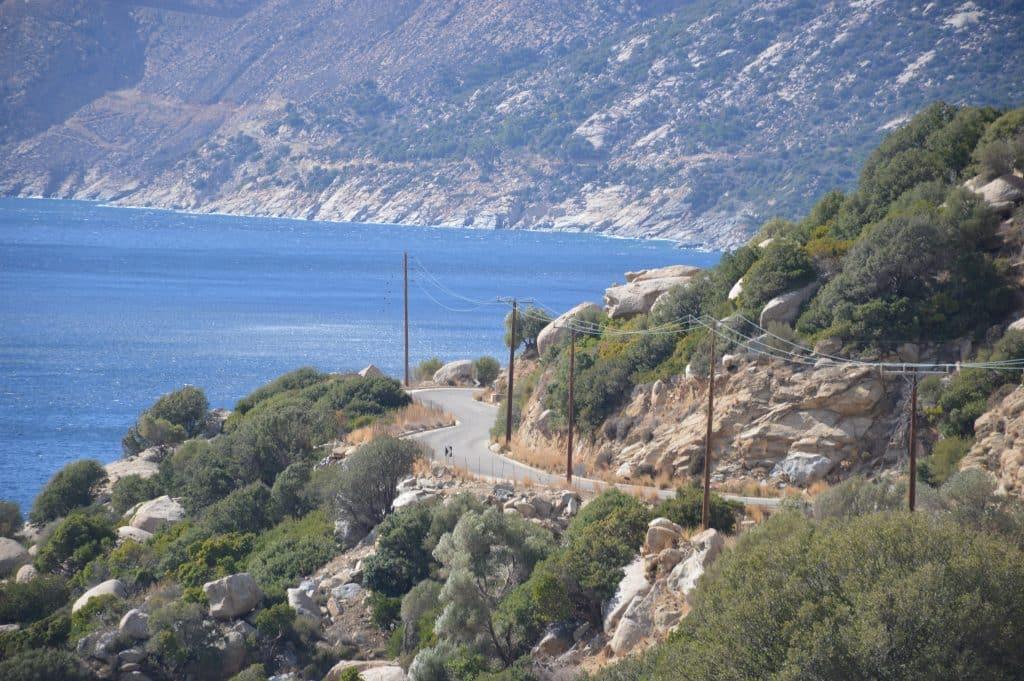 הדרך המתפתלת. צילום זאב דוניה