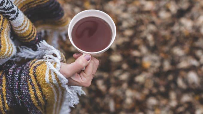 החדשות הטובות הן שאפשר לטפל בצינון בדרכים טבעיות ותוך כדי שתיית תה ירוק