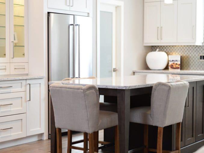 מטבח מסודר ומאורגן דורש פתרונות אחסון ואת המטבח מסדרים לפי הרגלי השימוש