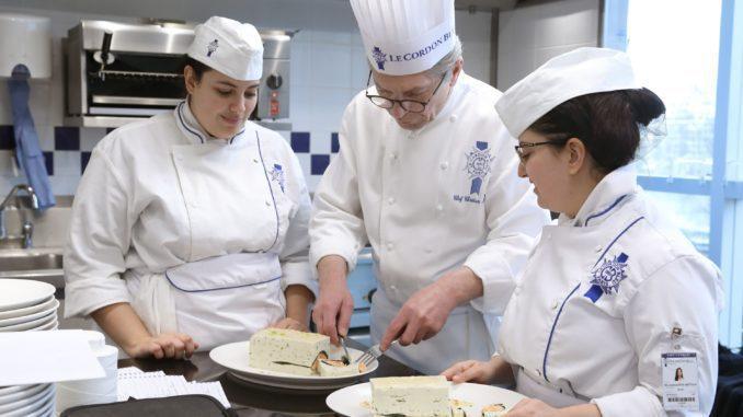 כריסטיאן מואן הוא שף בכיר וזוכה מדליות זהב מטעם איגוד הטבחים הצרפתי וארגון האקדמיה הקולינרית בצרפת. ©Le Cordon Bleu International 2019