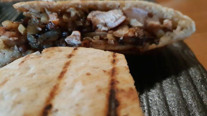 מנות העראייס של אנגוס גדולות והמחיר קטן - 33 ₪ למנה משביעה. צילום איילת קרבצקי