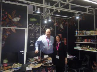 """מתניה שוורץ מנכ""""ל כרמית ממתקים ושרון קונסטנטיני מנהלת השיווק – המוצרים נמכרים בהצלחה בעולם"""