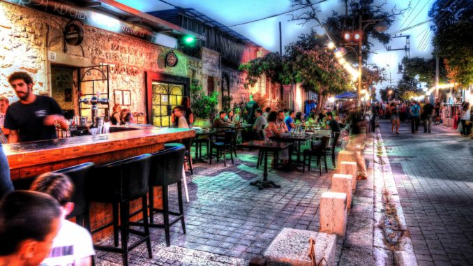 כפרה ממוקמת בפינת רחוב בבית קסום עטוף בעצים והיא חלק מרשת מסעדות באר שבעיות. צילום מדף הפייסבוק