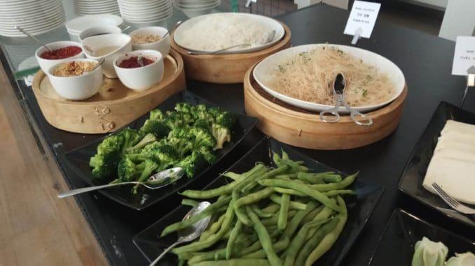 ארוחת בוקר סינית במלון ממילא. צילום אסף רותם