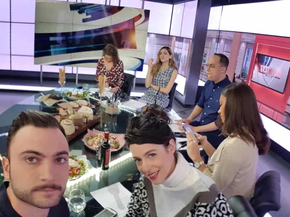דניאל חן (למטה משמאל)- הסיפור הגיע גם לתכנית הבוקר של ניב רסקין בערוץ 12. צילום מדף הפייסבוק