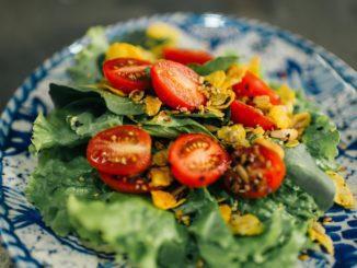 כיום אנו יודעים שעלינו להכניס לתוך מערכת השיקולים בבחירת אוכל גם את ההשפעה על הבריאות בטווח הקצר והארוך