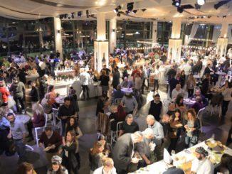 1,500 איש טעמו 180 יינות, חלקם לראשונה בישראל, מקרוב ל- 40 יקבים מהעולם. צילום אייל קרן
