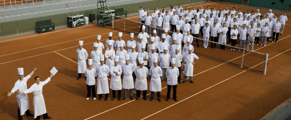 הצוות של שף פרדריק לארקמין במסעדת 'גורדון רמזי או טריאנון פאלאס' בוולדורף אסטוריה ורסאיי