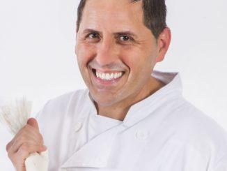 שף קונדיטור אורן בקר הוא בעל וותק של 20 שנות עבודה בתחום הקונדיטוריה וסיים בהצטיינות את בית הספר קורדון בלו סידני באוסטרליה. צילום אסף אמברם