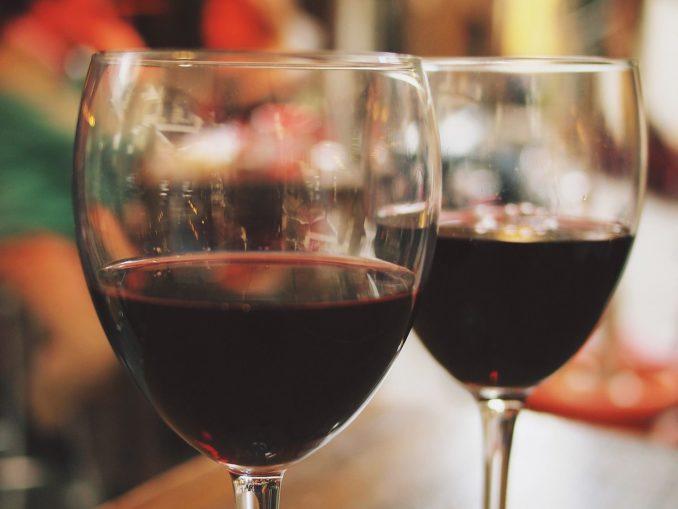 שלב ההשריה משמעותי ביותר לתהליךהכנת היין מאחר שהקליפה והחרצנים הם המעניקים ליין את הטעם והארומה הייחודית