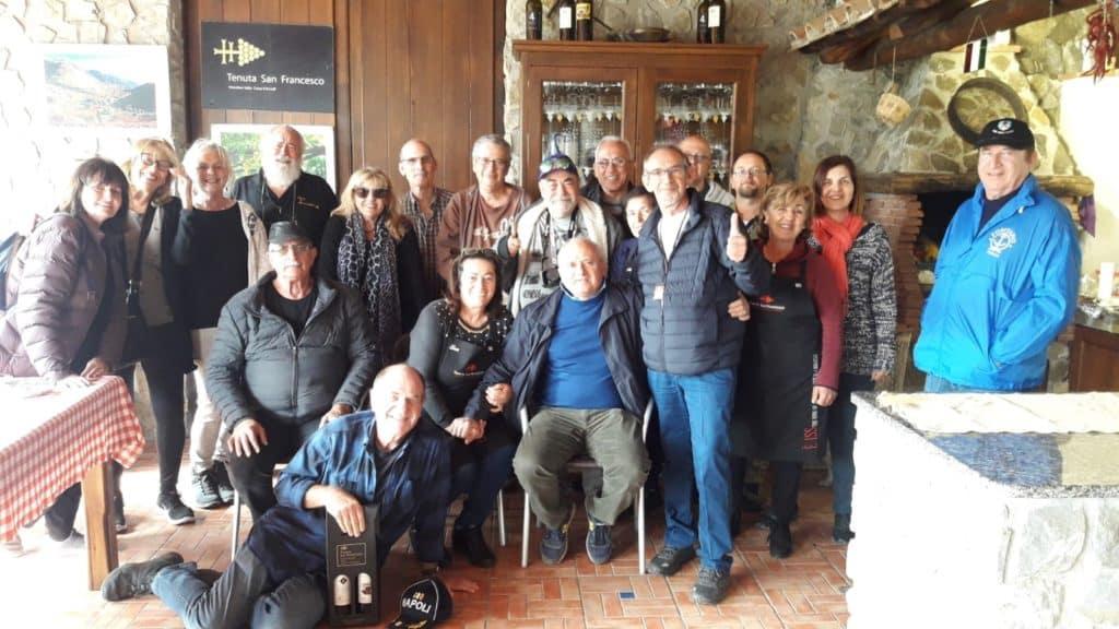 חבורת המטיילים מישראל עם משפחת יקב Tenuta San Francesco