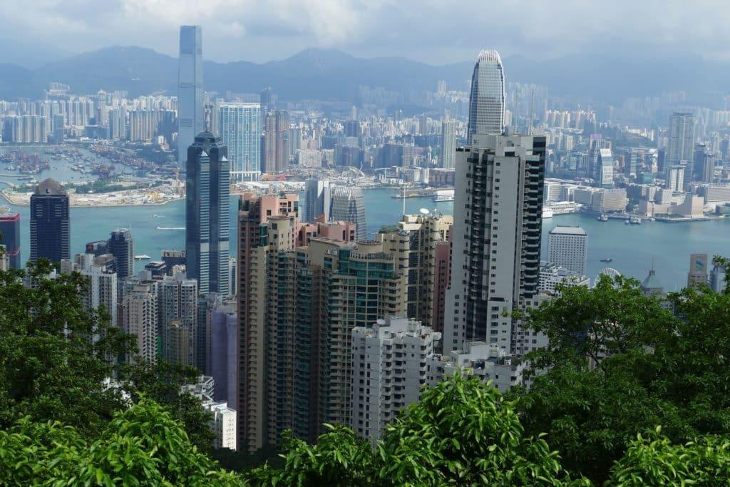 מודל שימושים מעורבים בבנייה לגובה כבר מתקיים בהונג קונג. צילום pixabay