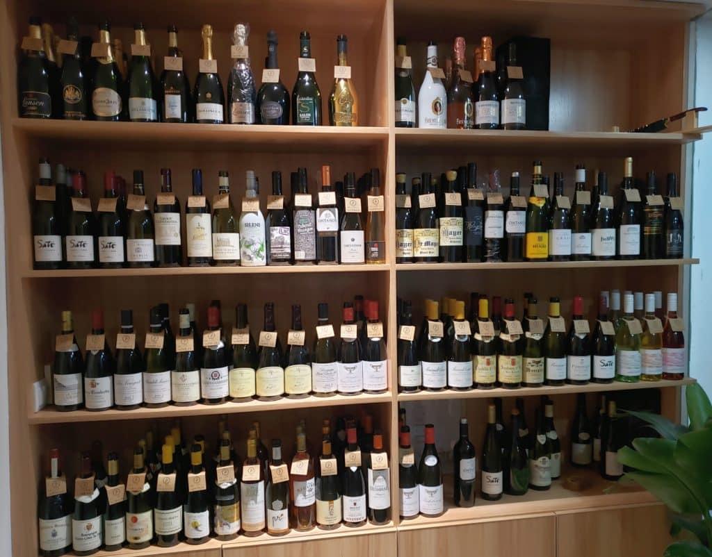 חנות יין בשנחאי