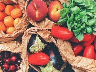 סיבים בלתי מסיסים קיימים באחוזים מרשימים גם בתוך מוצרי סובין, ירקות ופירות שנאכלים עם הקליפה