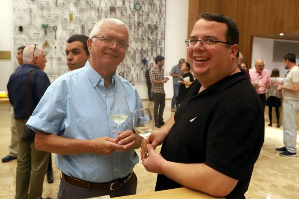 מימין: יותם שרון (יועץ ליקבים) ואיציק כהן מיקב רמות נפתלי. צילום דוד סילברמן dpsimages