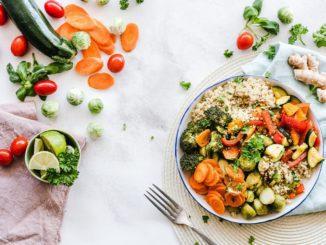 לצד שימוש במוצרי ספיגה דיפנד ובתרופות יש לקחת בחשבון גם את ההשפעה של התזונה על התדירות של אירועי בריחת שתן