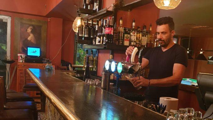 מי שעומד מאחורי סעידה סולטנה הוא היזם והמסעדן ניר בזק שהשקיע בשתי מסעדות שפעלו כאן בשנים האחרונות