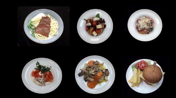 למנה עיקרית בביזנס של קתאי פסיפיק יש מעתה שש אפשרויות לעומת ארבע בעבר, כאשר נוספו מרק נודלס עם נתחי בקר והמבורגר אמריקאי