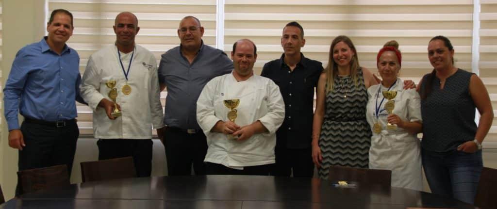 שלושת הזוכים בחליפות שף: סמדר וקנין (מימין), בנימין (בנג'י) יוסף צוקר, אייל רדי