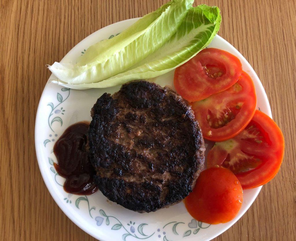 ההמבורגר העירום. צילום פאפא רצי