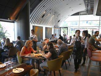 השף שמוביל את המסעדה מאז פתיחתה הוא שחר ברנע המציג מנות מהמטבח הדרומי הכפרי של איטליה. צילום איריס לוי