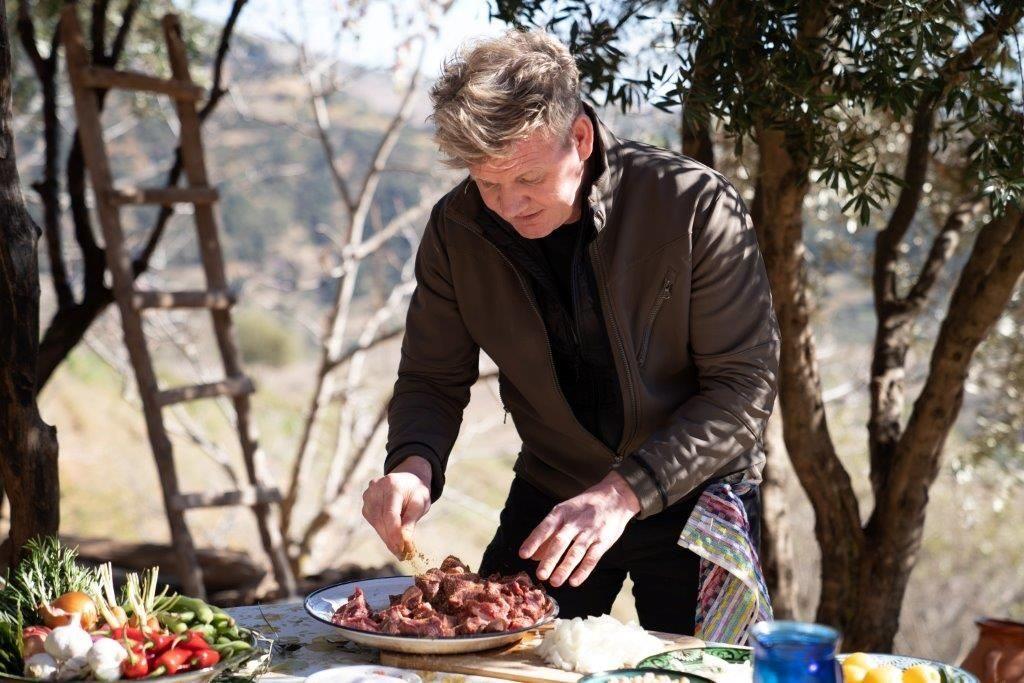 גורדון רמזי יוצא להרפתקה עמוק בלב הרי האטלס שבמרוקו כדי ללמוד על מסורת הבישול העתיקה של הברברים