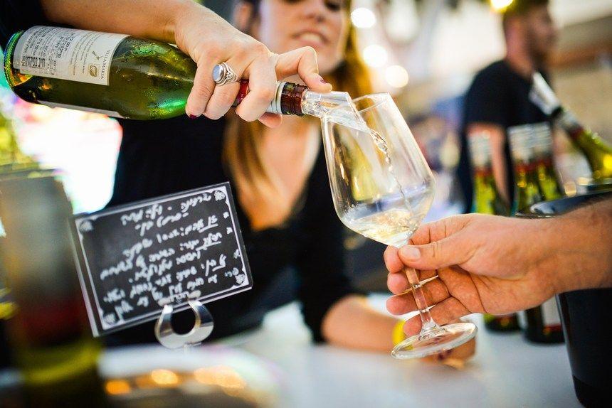 פסטיבל היין במתחם התחנה. צילום תום גץ