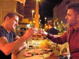 שֶׁבֶת אחים (Breaking Bread) - במרכז סרט תיעודי חדש זה פסטיבל א-שאם, פסטיבל האוכל הערבי בחיפה בו עובדים יחד שפים מוסלמים ויהודים. צילום עופר בן יהודה